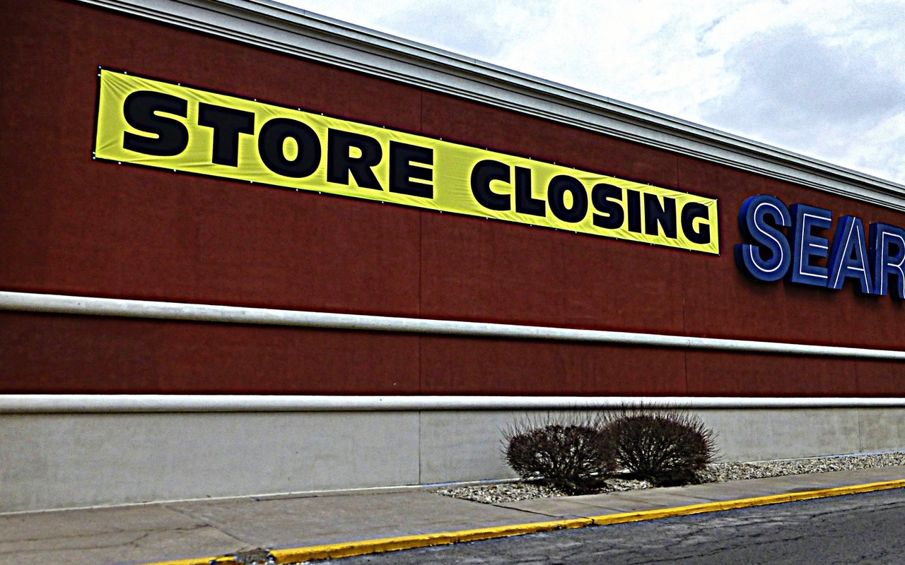 Top brick and mortar stores going out of business